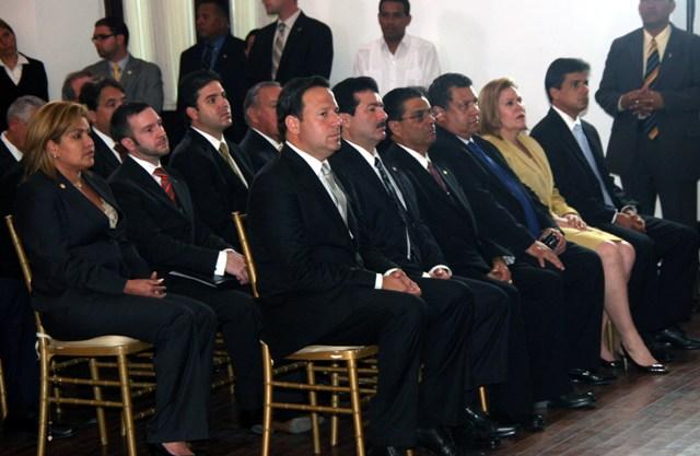 Panam Y Canad Firman Acta De Conclusi N De Negociaciones Para Tlc El Sitio