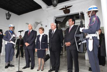 Martinelli y ex presidentes dialogan sobre temas claves para beneficio del país