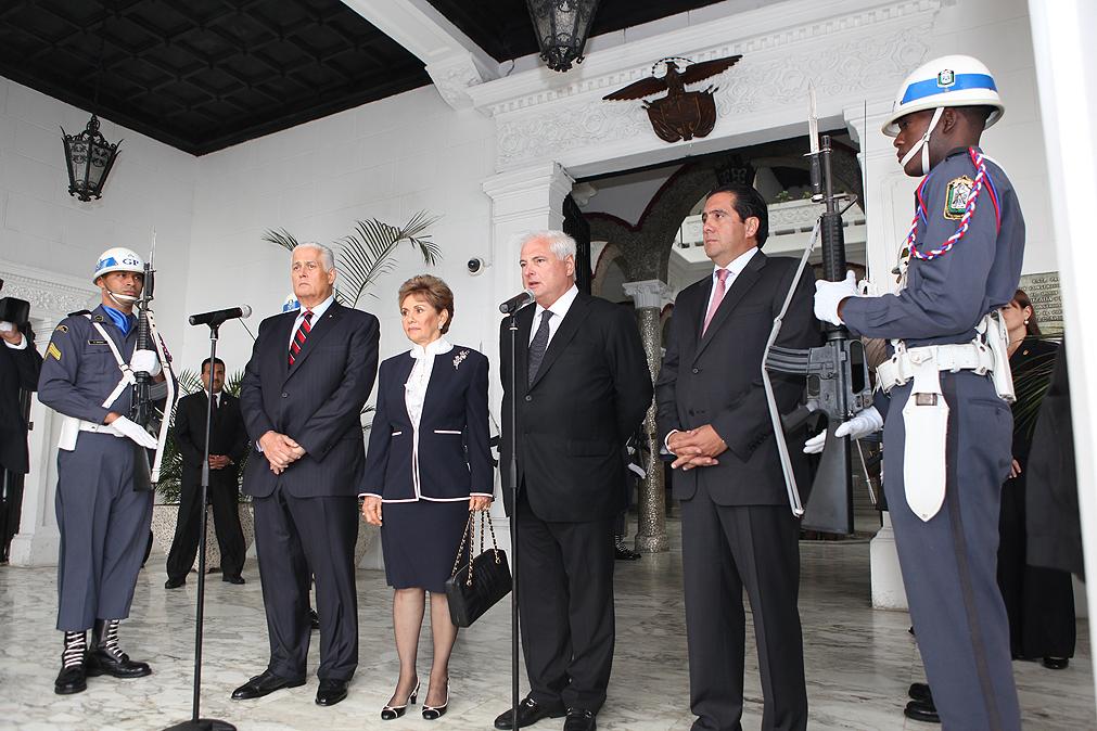 Ernesto Pérez Balladares, Mireya Moscoso, Ricardo Martinelli y Martín Torrijos - Histórica Reunión de Presidentes de Panamá