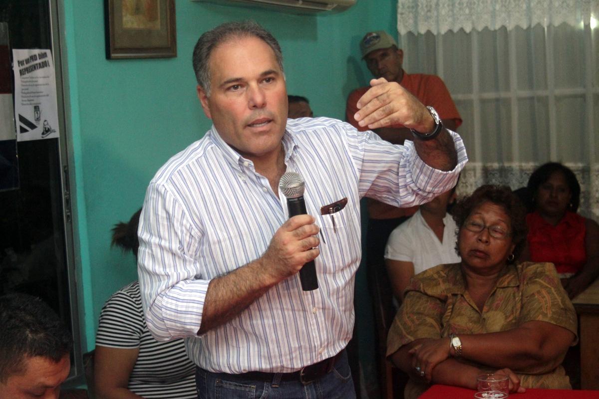 Samuel Lewis Navarro