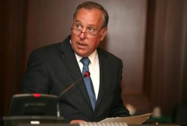 Gobierno llega a tope en proyectos, dice Vallarino
