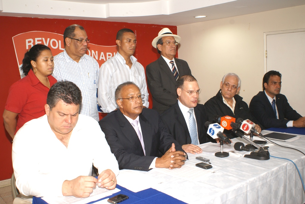 Pedro Miguel Gonzalez acusa a Martinelli