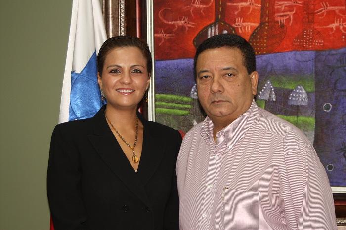 Ana Giselle de Vallarino y Hector Aparicio