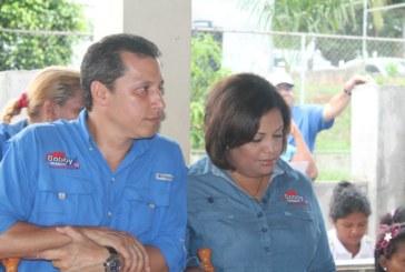Dirigencia del sector femenino de Tocumen con Bobby Velásquez