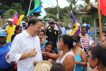 Varela recorre Panamá Oeste y realiza caravana de autos en La Chorrera