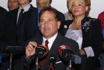 Navarro renuncia a Secretaria General del PRD