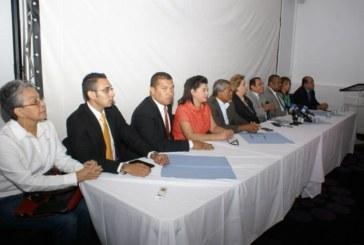 Diputados al PARLACEN exigen revisar juramentación de Martinelli