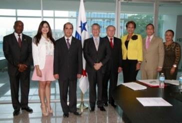 Embajadores cumplen con la ley al sustentar planes de trabajo