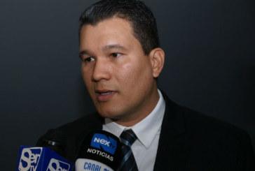 "Reunión con Varela no era ""oficial"", dice diputado del PRD"