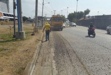 Durante este fin de semana MOP realiza barrido de calles y limpieza de  drenajes