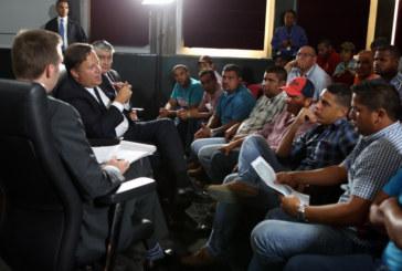 Presidente Varela Rodríguez se reúne con los transportistas de carga en el Palacio de las Garzas