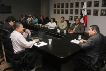 ASAMBLEA NACIONAL APOYARÁ A PRODUCTORES DE PALMA DE ACEITE DE CHIRIQUÍ