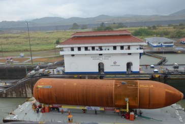 Un tránsito inusual por el Canal de Panamá