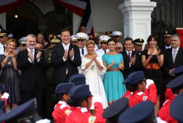 Panameños rinden tributo a la Patria