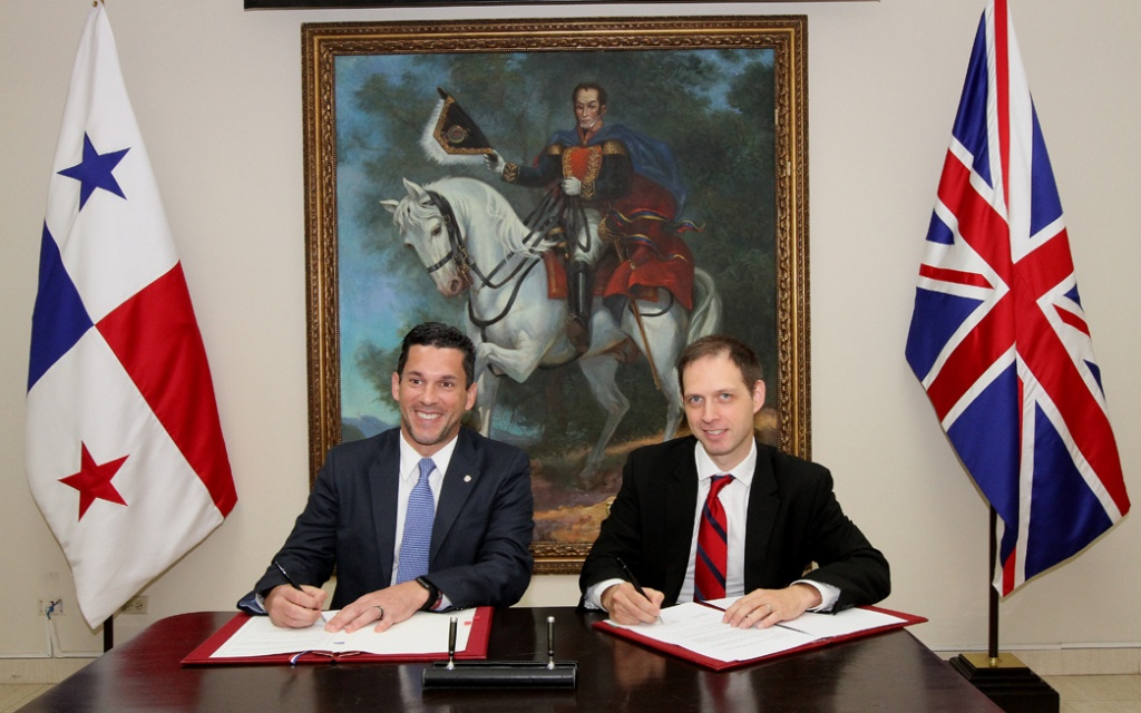 Panamá y el Reino Unido suscriben Memorando de Entendimiento sobre Reducción de Energía e Innovación de Bajo Carbono en escuelas públicas