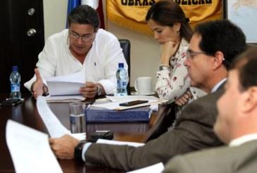 Ministro Arosemena se reúne con gremios para que colaboren en desarrollo de auditoria ciudadana