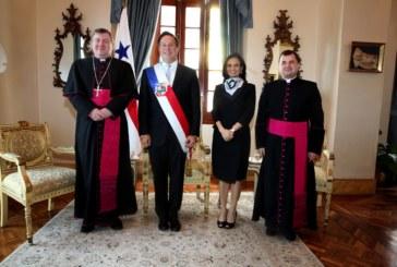 Presidente Varela recibe cartas credenciales de Nuncio Apostólico, Miroslaw Damczyk