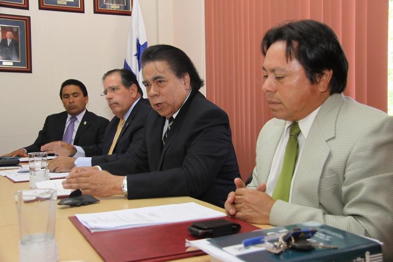 La Comisión de Comercio y Asuntos Económicos aprobó en primer debate el proyecto de ley No. 313, mediante el cual se deroga la Ley 8 de 11 de febrero de 2011, que reforma el Código de Recursos Minerales.