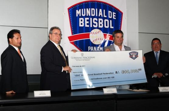 Ibaf recibe fondos para comercializar Mundial de Béisbol, Panamá 2011