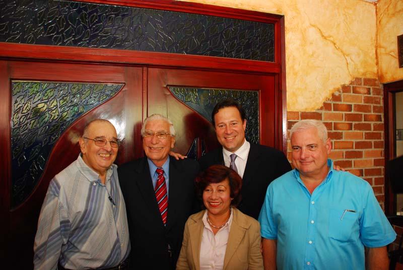 Guillermo Endara, Guillermo Ford, Gisela Chung, Juan Carlos Varela y Ricardo Martinelli