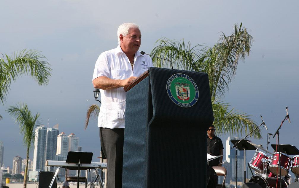 Presidente Ricardo Martinelli inaugura segunda fase de la Cinta Costera