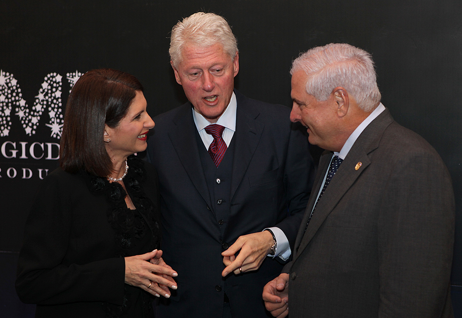 Bill Clinton, Presidente Ricardo Martinelli y Marta de Martinelli