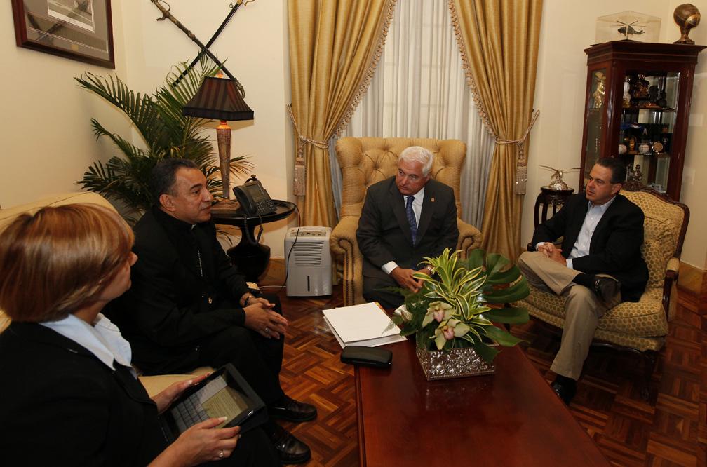presidente-martinelli-reunion-ulloa
