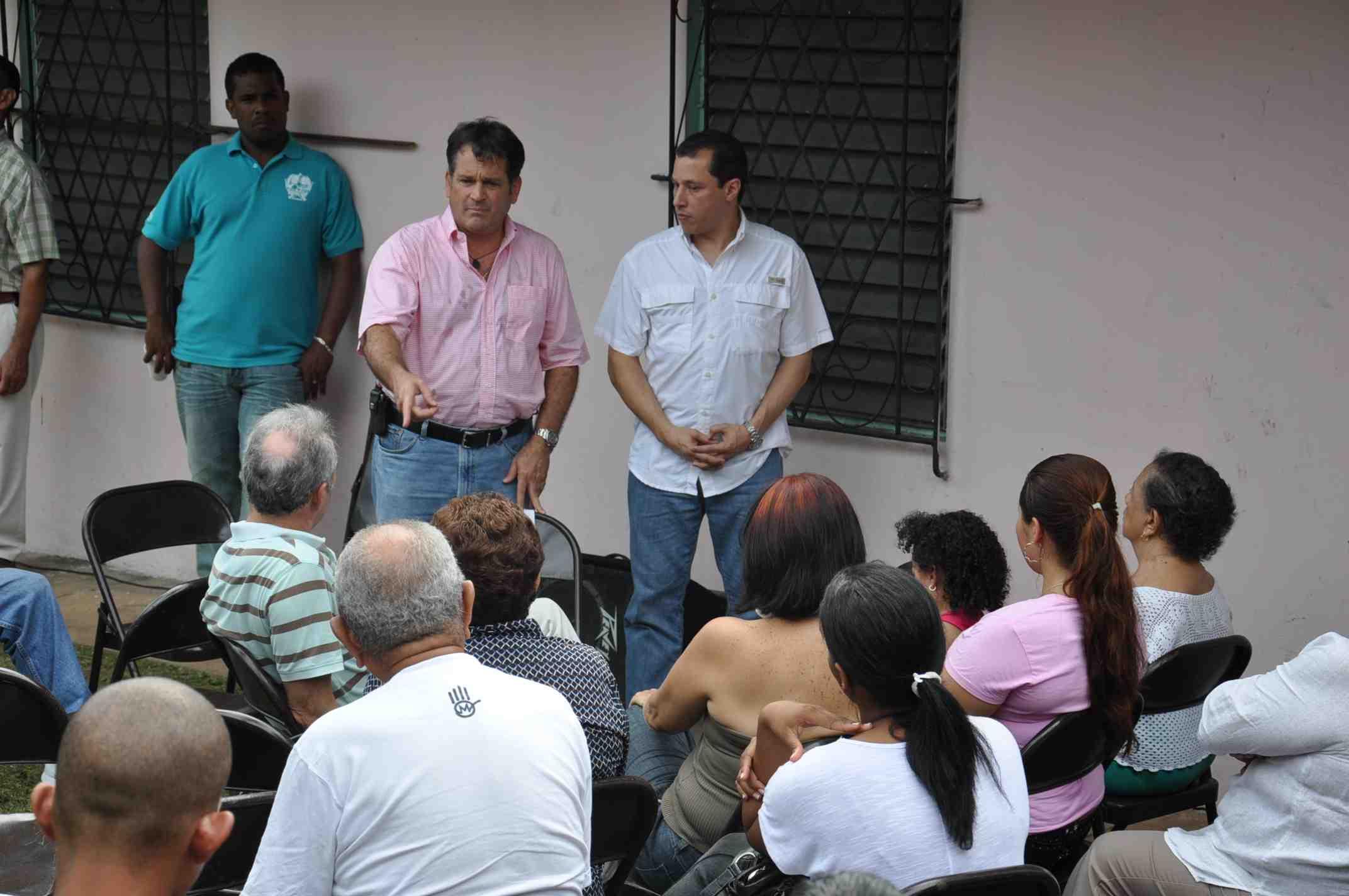 Navarro pide medidas para evitar alza del precio del arroz y plátano