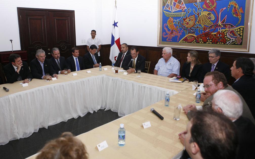 Presidente Martinelli en Reunión con la Cámara de Comercio