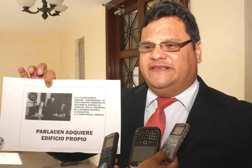 Diputados al Parlacen presentan recurso contra orden de desalojo