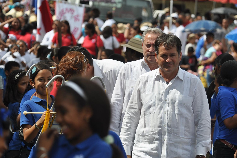 Juan Carlos Navarro: gobierno debe atender problemas del pueblo en vez de pensar en segunda vuelta y candidaturas presidenciales