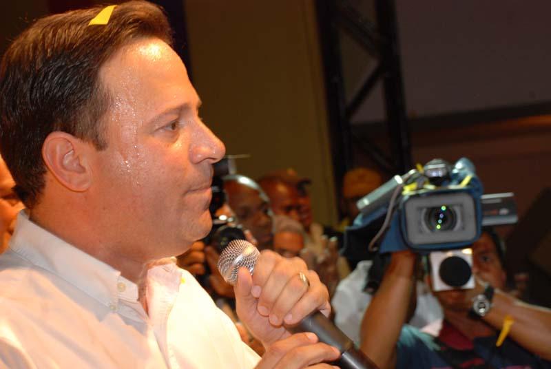 Juan Carlos Varela destituido como Ministro de Relaciones Exteriores.