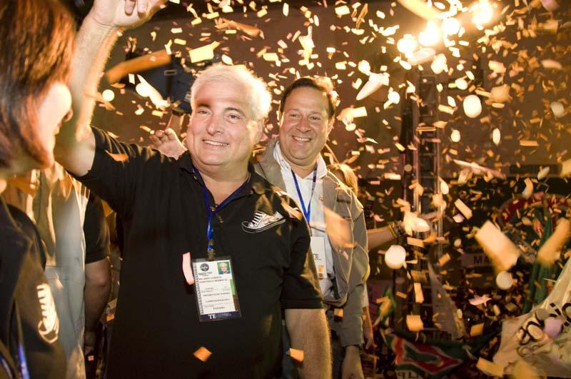 Ricardo Martinelli, Juan Carlos Varela - Foto de tupolitica.com después de las Elecciones en el 2009.