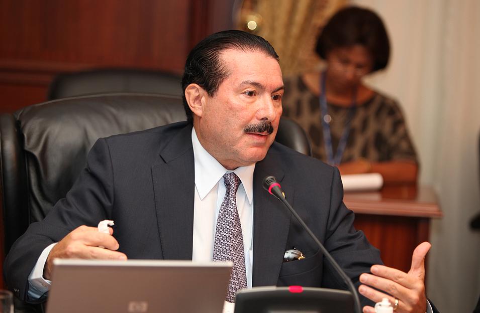 Presidente designa a nuevo Canciller Roberto Henriquez