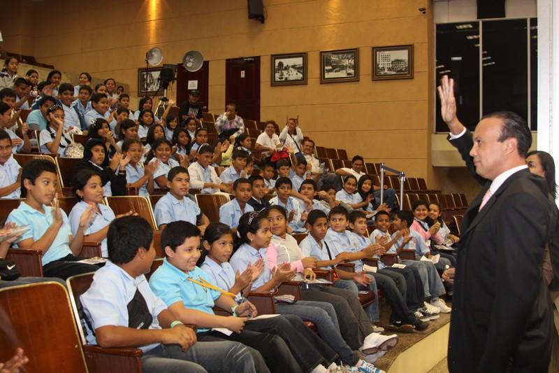 Asamblea Nacional acapara atención de centros educativos