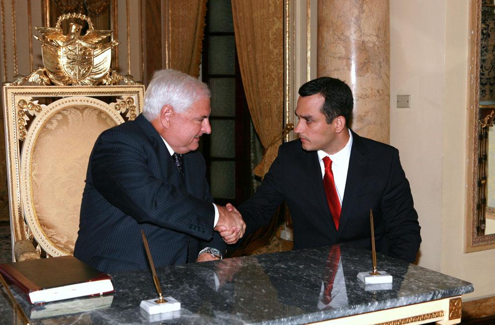 Hernando Abraham Carrasquilla y el Presidente Ricardo Martinelli