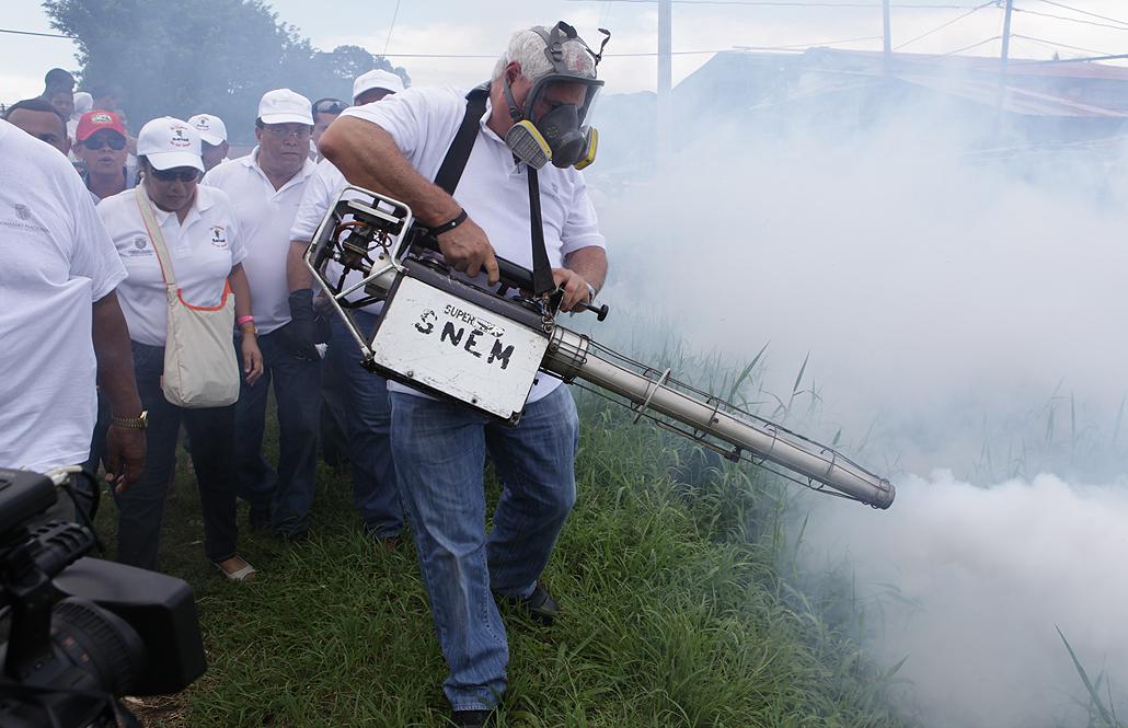 """Presidente Martinelli encabeza intensa jornada de limpieza """"Unidos Contra el Dengue"""""""
