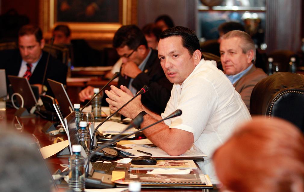 Ministro de Desarrollo Social, Guillermo Ferrufino.