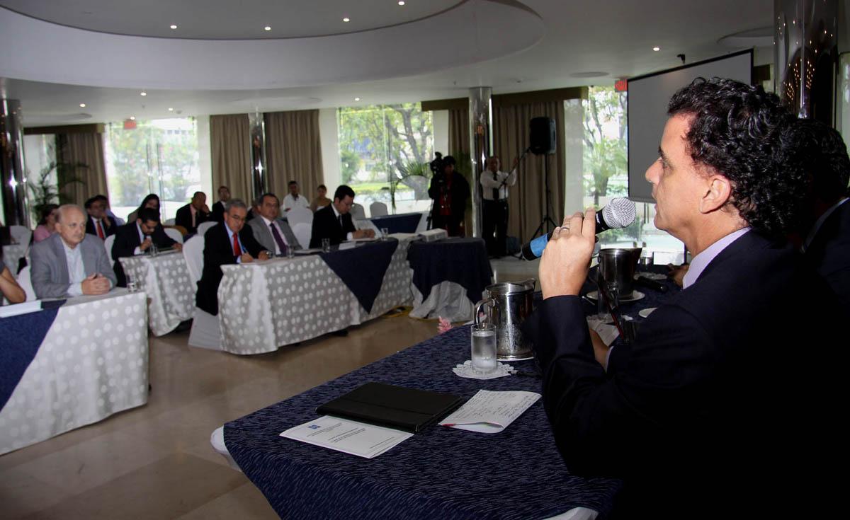 Hotel Panamá, El papel de la Soc Civ en la R Elc 19 7 12 084