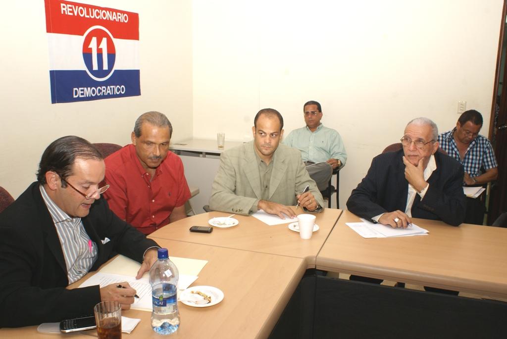 Coordinan tareas para primaria presidencial del PRD