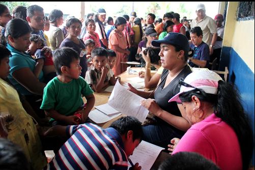 En la comarca Ngäbe-Buglé Más de 2 mil 500 indígenas se benefician con programa de subregistro