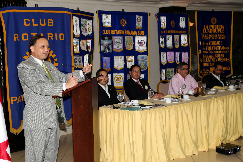 Club Rotario 03