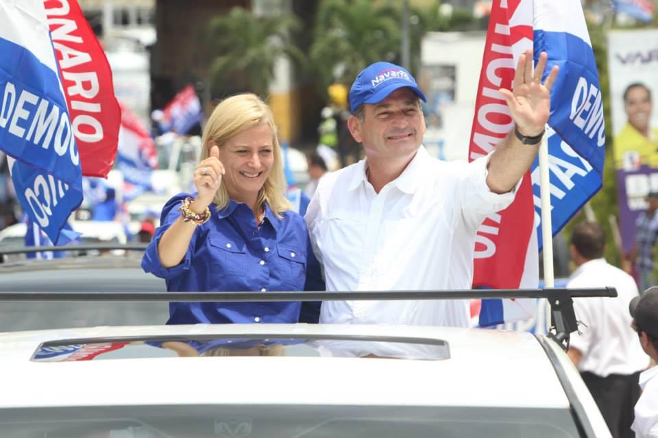 Juan Carlos Navarro y Cuqui Campagnani de Navarro PRD Panama Caravana