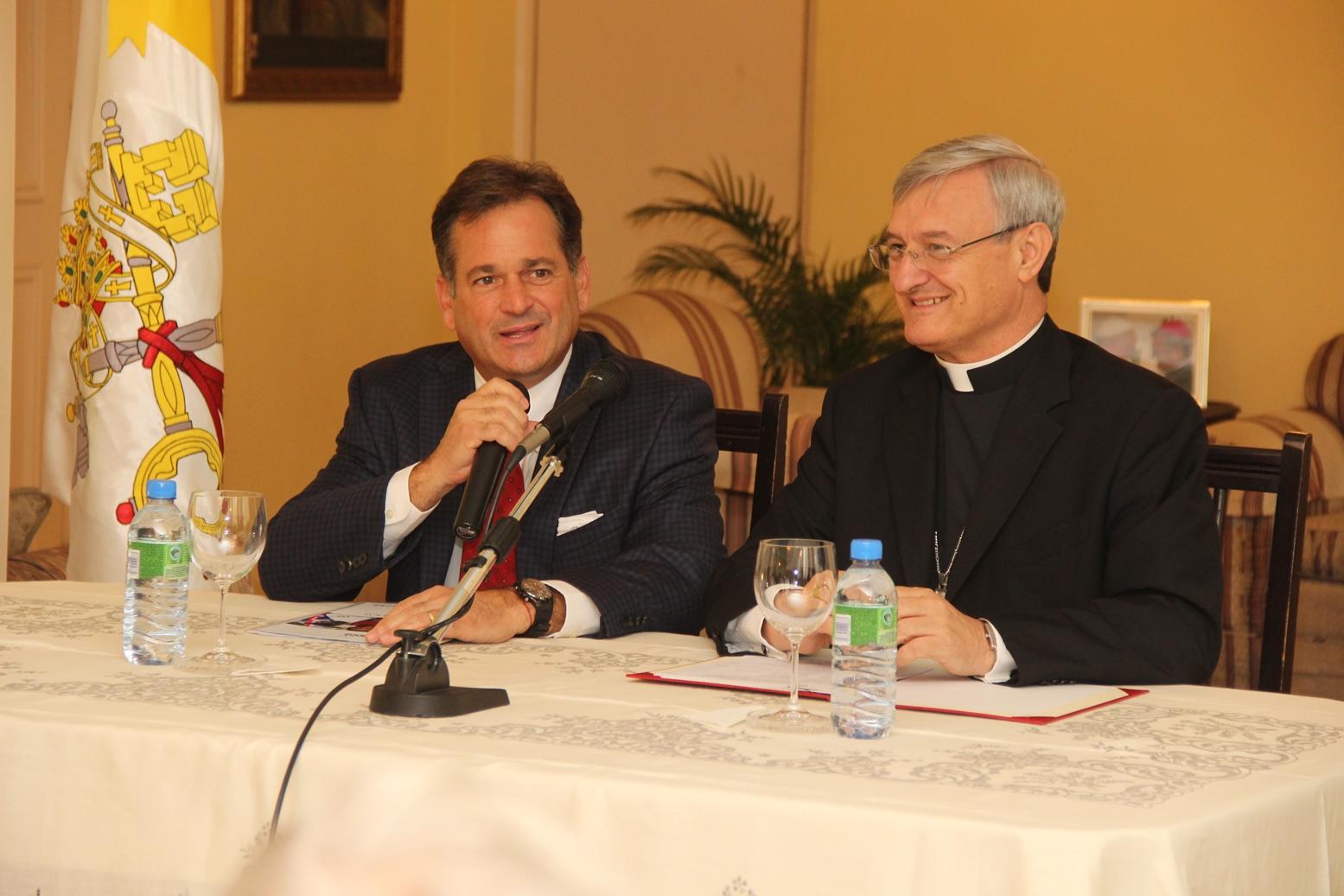 Juan Carlos Navarro, sostuvo una reunión con el Nuncio Apostólico de Panamá, Andrés Carrascosa,