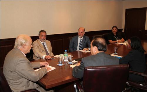 Embajador de Estados Unidos Jonathan Farrar y el Tribunal Electoral de Panama