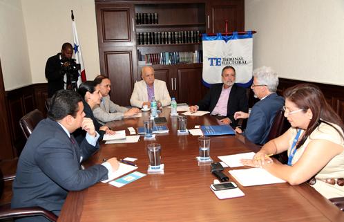Organismo demócrata reconoce prestigio internacional del Tribunal Electoral Panamá