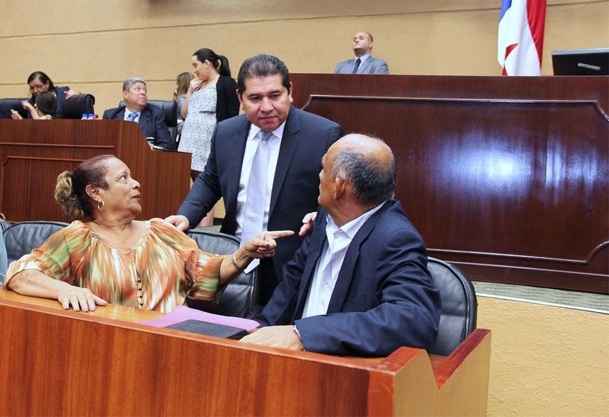 jubilados-pensionados-exigen-devolucion-decimo-tercer-mes-panama-asamblea