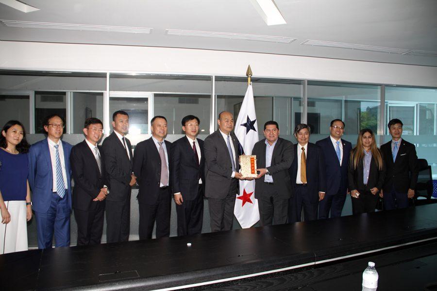 diputados-chinos-en-panama