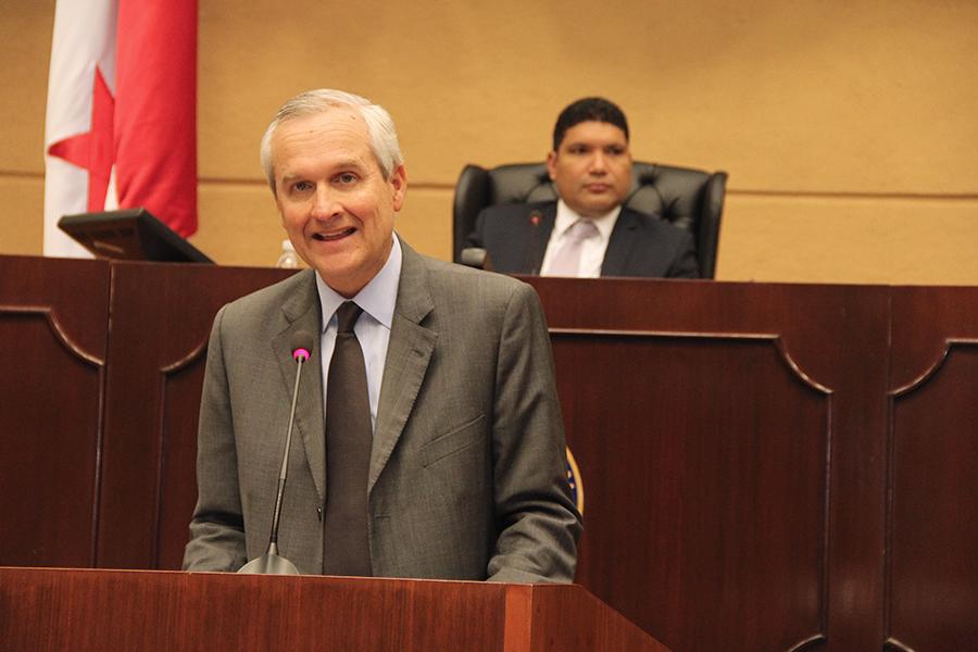 ministro-alvaro-aleman-asamblea