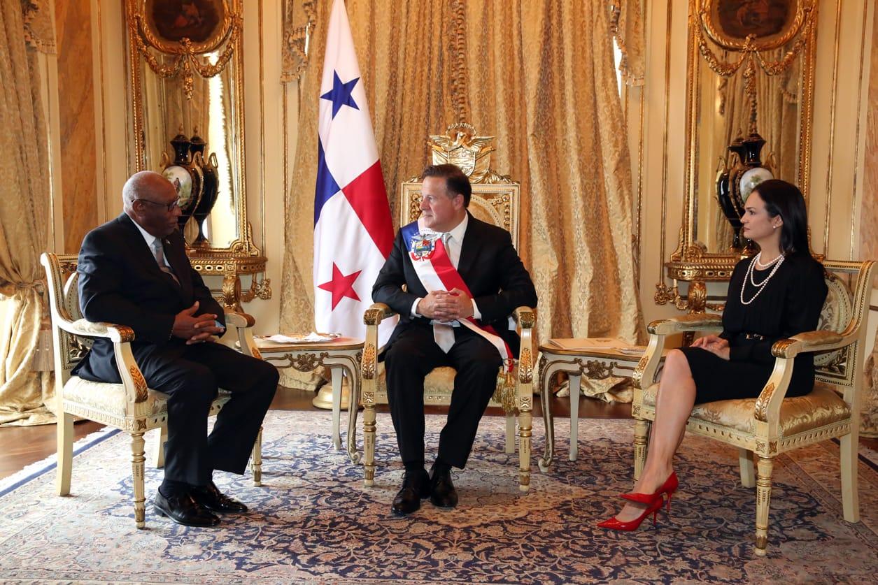 presidente-varela-vicepresidente-saint-malo-cartas-credenciales